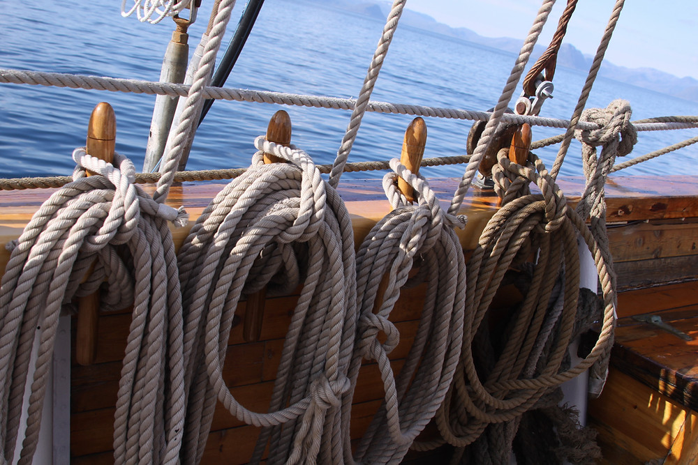 Image of ropes on a sail boat. Raleigh Psychotherapy, counseling, Katherine Broadway, M.DIV, LPC