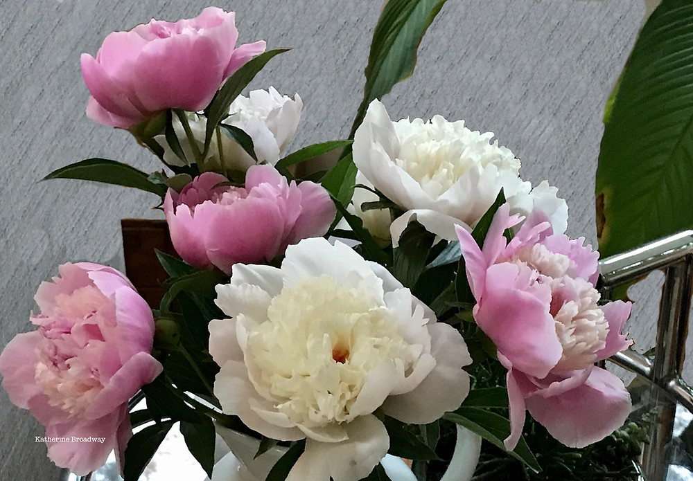 Image of pink and white bouquet. Raleigh Psychotherapy, counseling, Love, Katherine Broadway