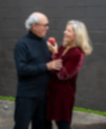 TEAM -Sandra & Clive - with apple - 2019