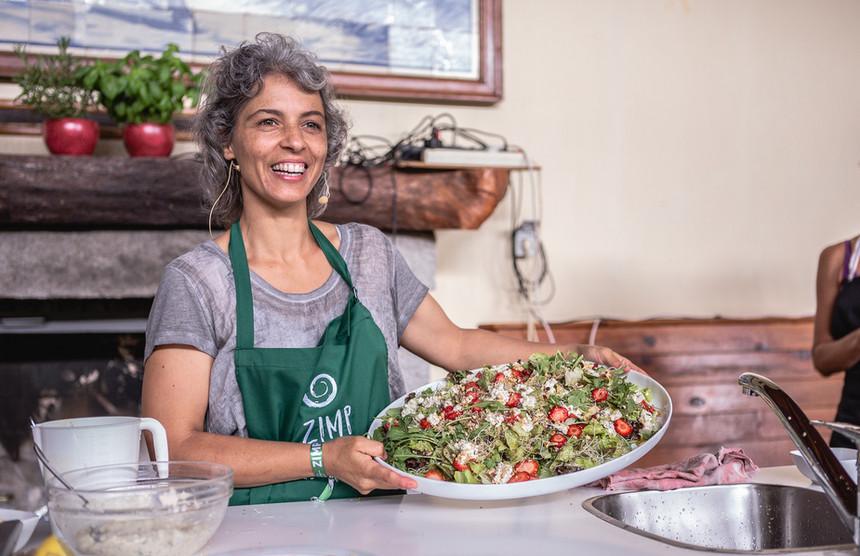 Saladas frescas e nutritivas