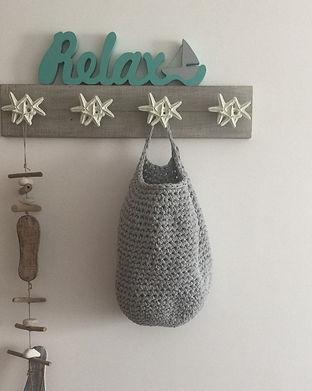 modern hanging basket_edited.jpg
