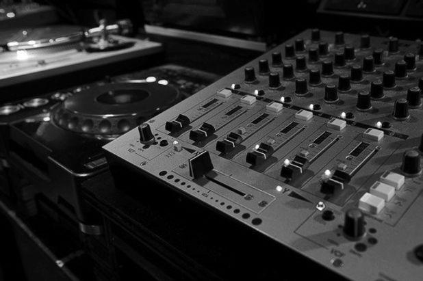 DJ Berlin, DJ buchen Berlin, DJ Hochzeit