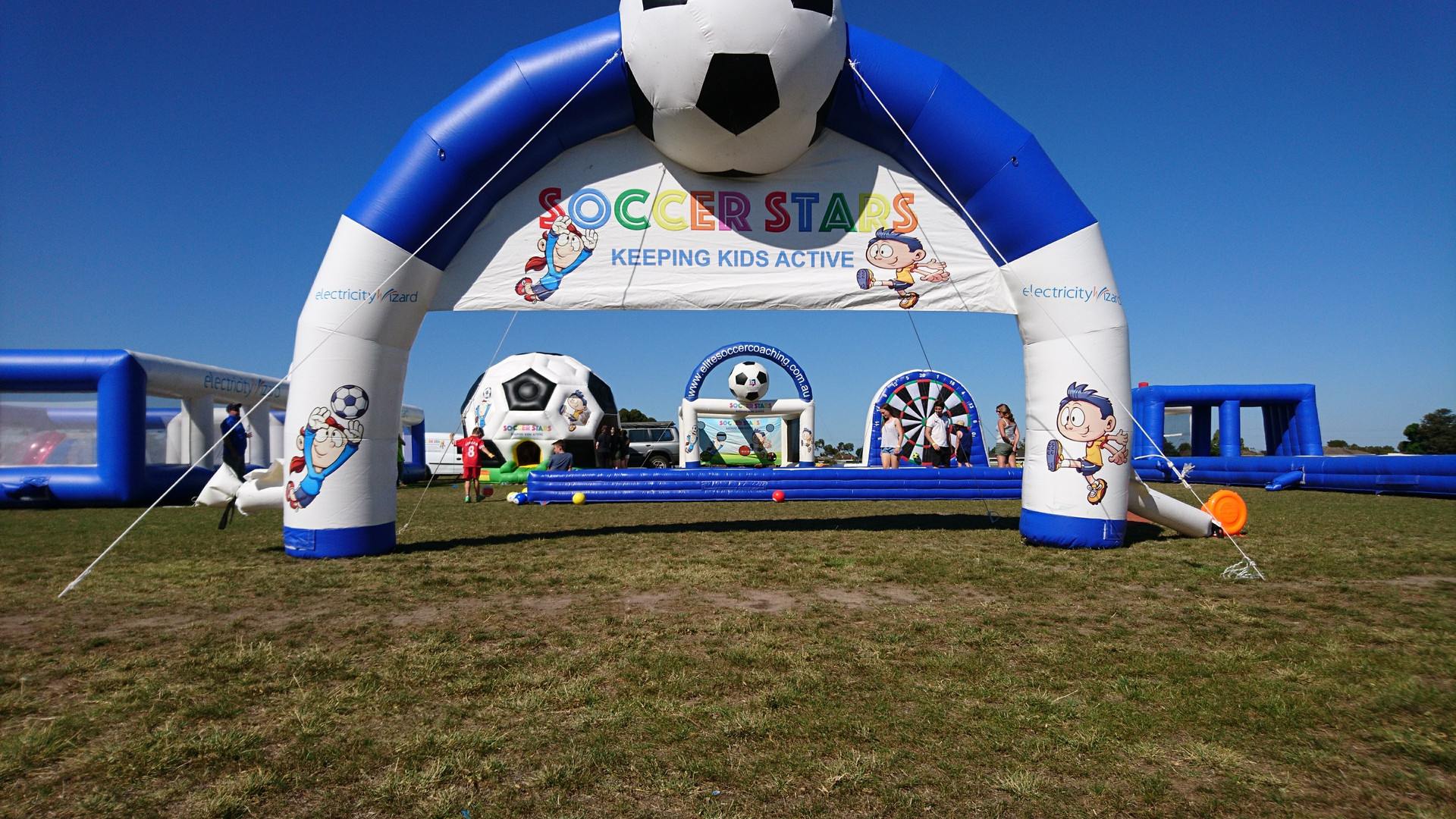 Inflatables2u | Party Hire