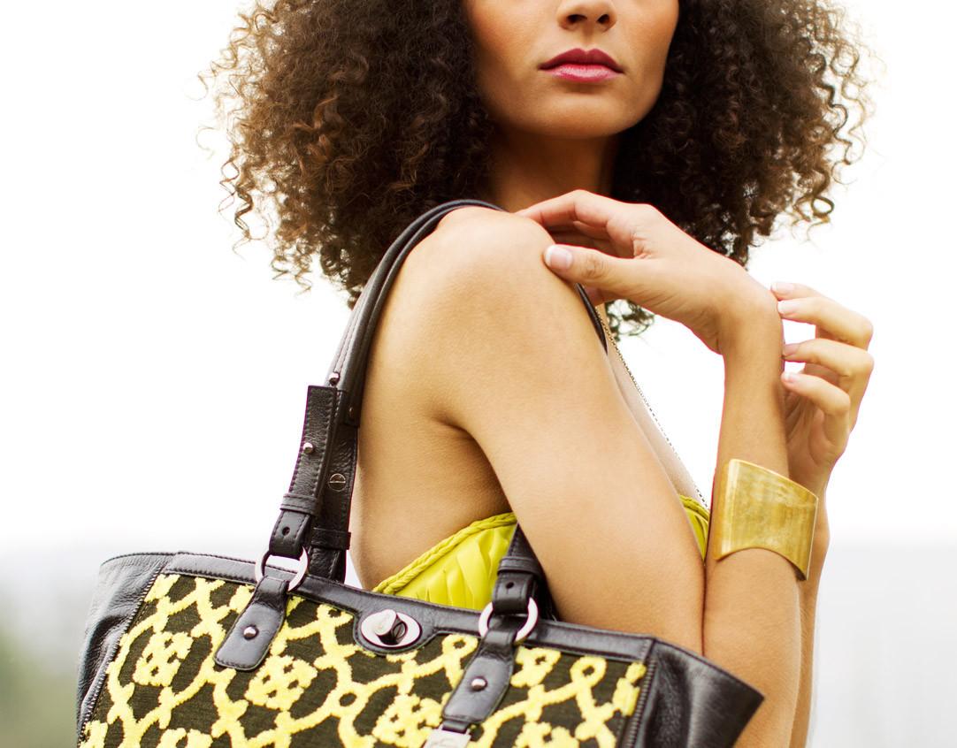 Petunia-Handbags-Lips-Crop-WEB.jpg