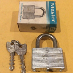 Master Lock 500 Laminated Steel Padlock