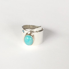 BANGLE WITH A TURQUOISE