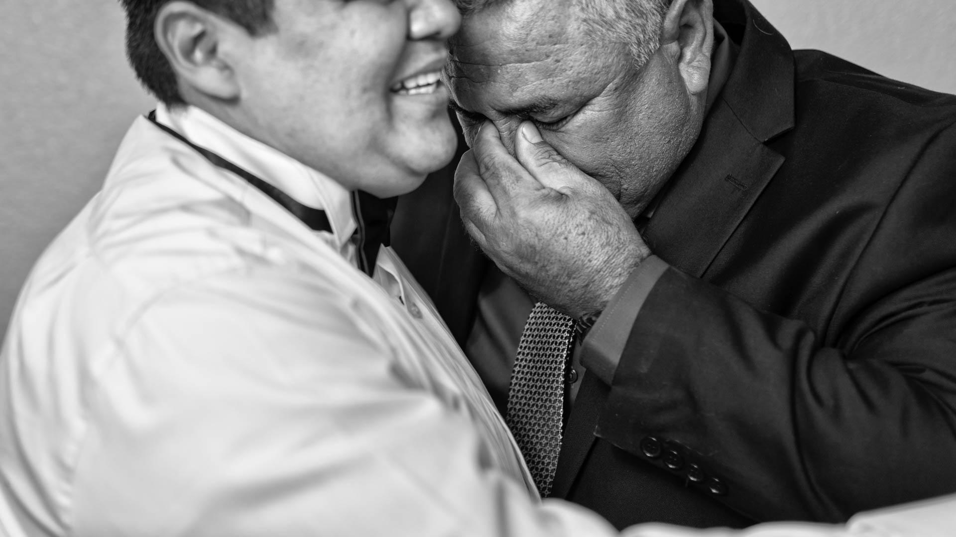Fotografia de Boda - Foto del papa del novio llorando