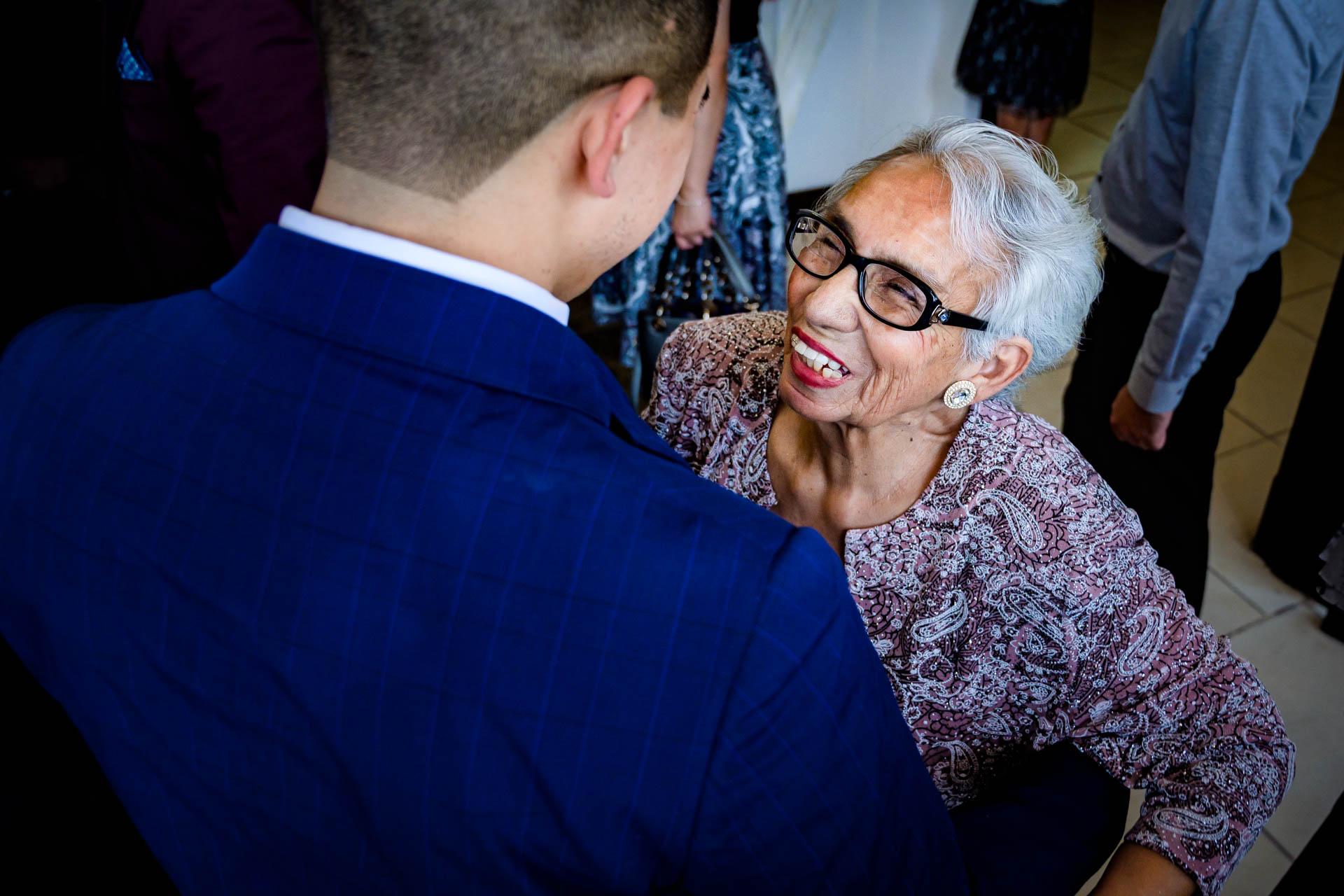 Fotografia de Boda - foto de la abuelita del novio