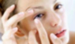 Adaptación de lentes de contacto para corrgir defectos refractivos como la miopía