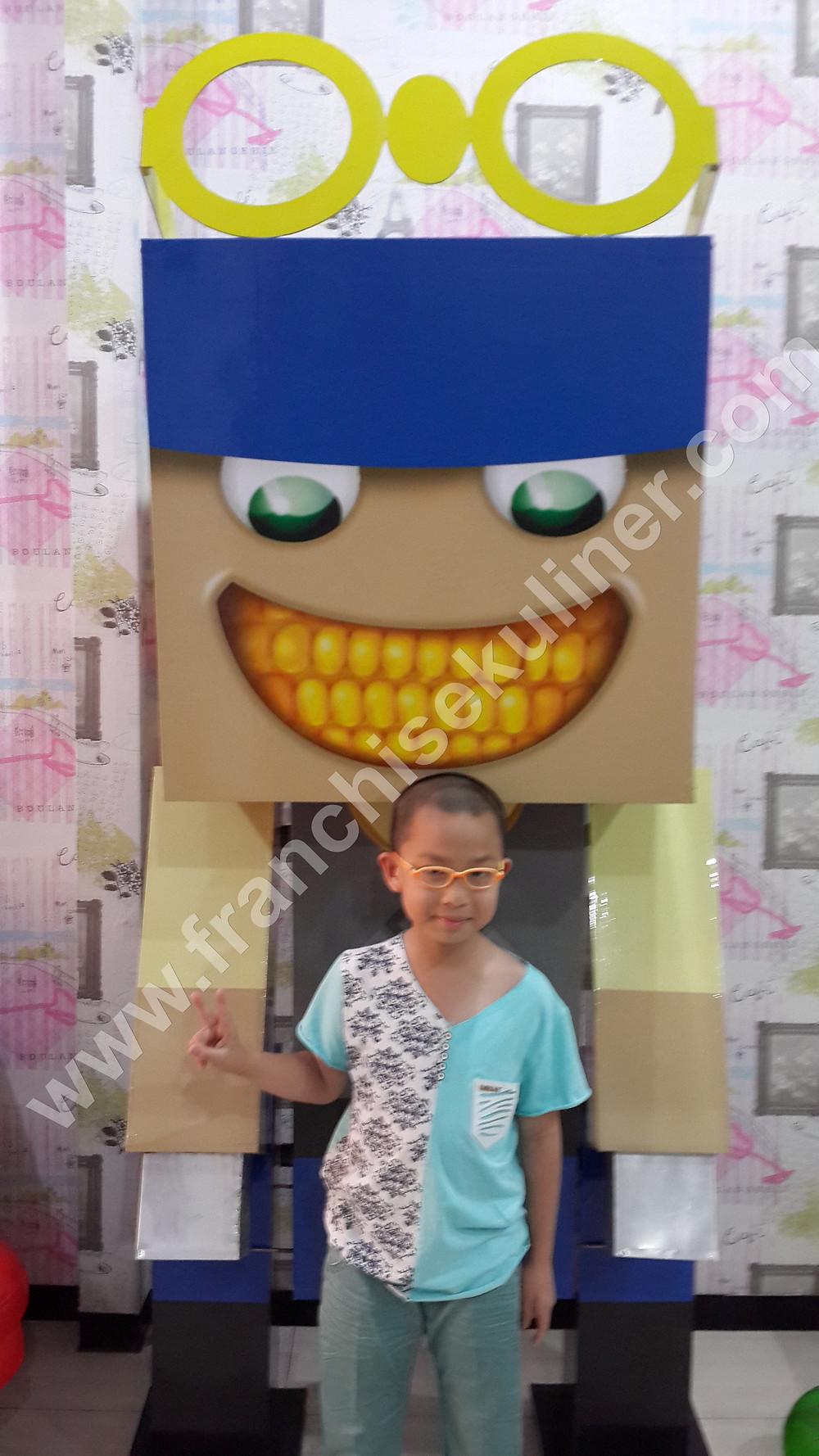 Mascot Lucky Danbo Bakso Kaget 5.jpg