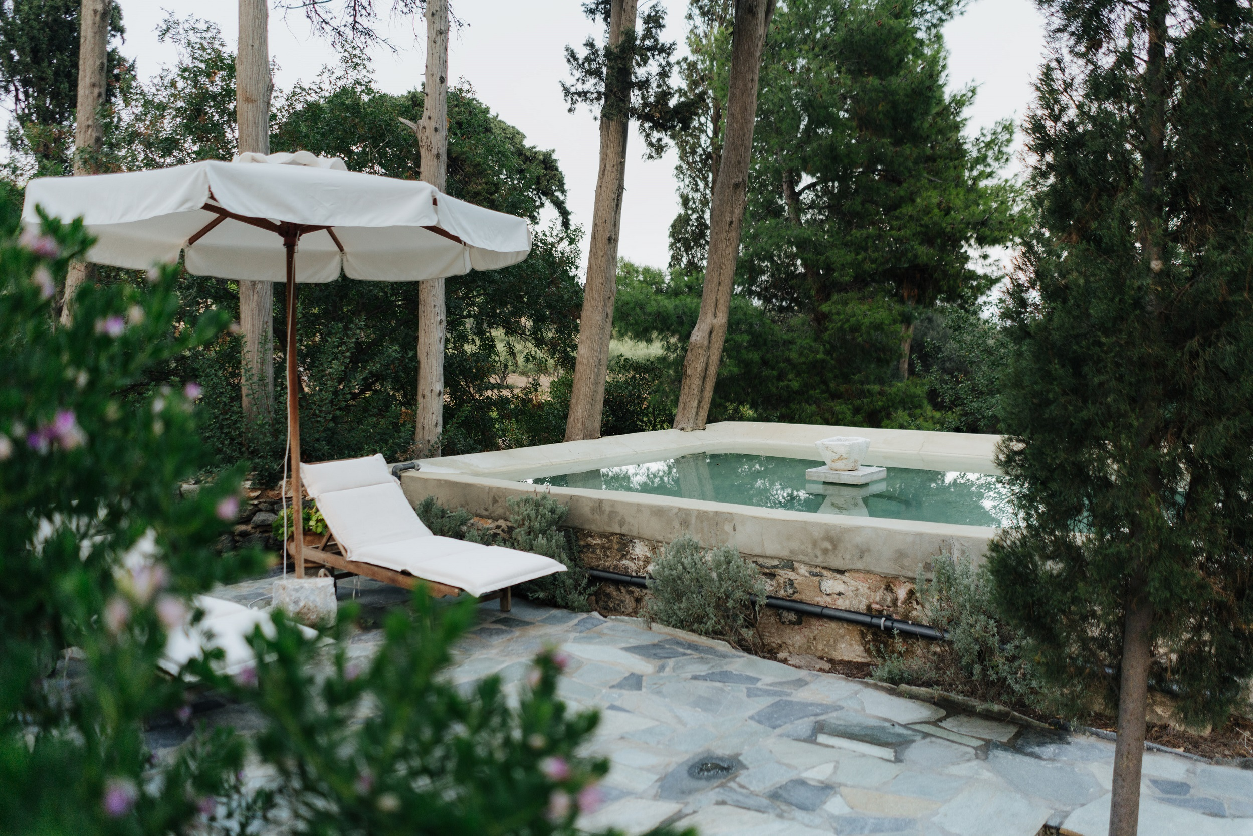 The plunge pool at Manna