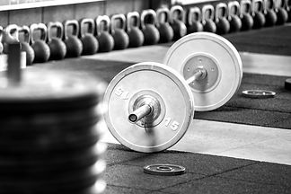 barbell-on-the-floor-in-gym-M46QLA3_edit