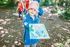 forest-school-preschool-child-in-bristol