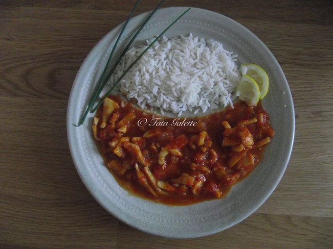 Encornets sauce piquante avec son riz basmati