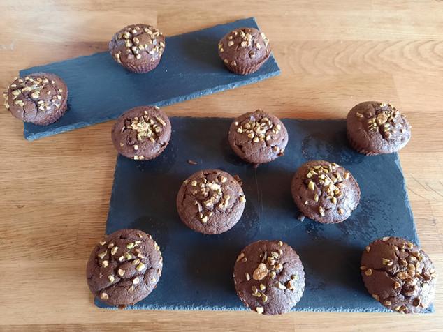 MUFFINS chocolat noir ,cœur chocolat blanc et ses éclats de pistaches