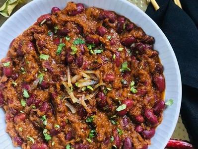 RAJMA MASALA (Vegan Red Kidney Bean Curry)