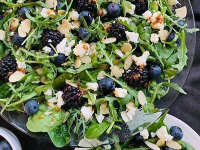 BLUEBERRY & FETA SALAD (Vegan option)