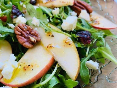 APPLE & PEAR SALAD (Vegan option)