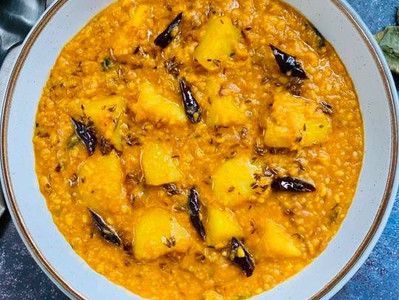 ALOO DAL (Vegan Potato & Moong Dal Curry)