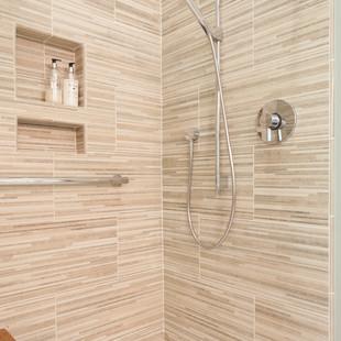 Sleek Shower Fixtures