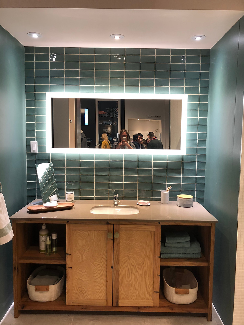 KBIS 2019 lighted mirrors blue tile wood vanity