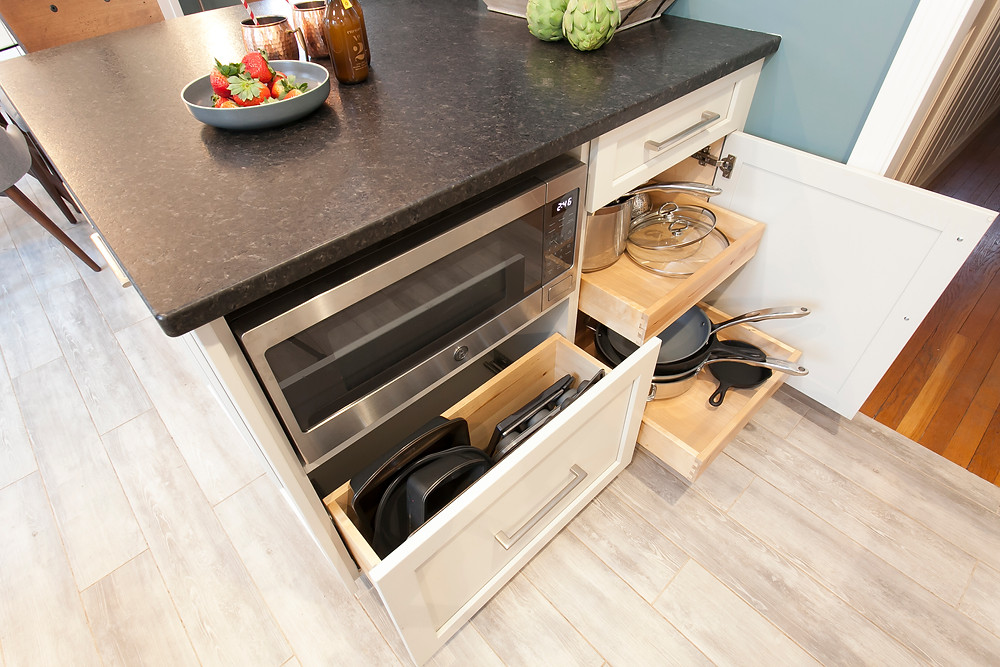 Kitchen island with dovetail pullouts