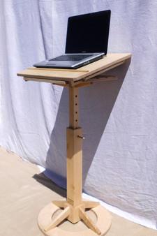 Laptop Ständer (4).JPG