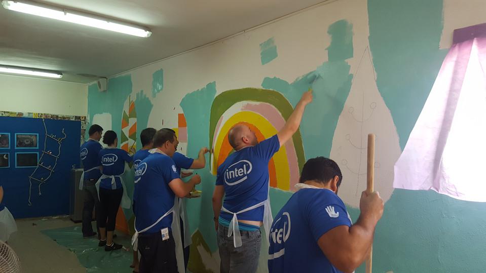 gula design ציורי קיר ופרוייקטים עם מתנדבים