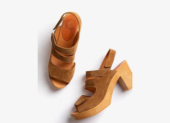 Penelope Chilvers   - Amaya Caramelo Leather Sandal
