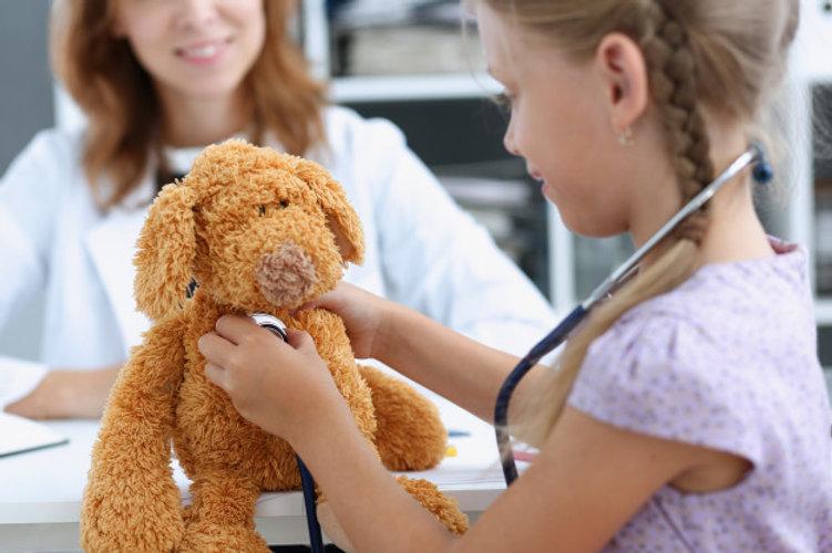 petit-enfant-stethoscope-reception-du-me