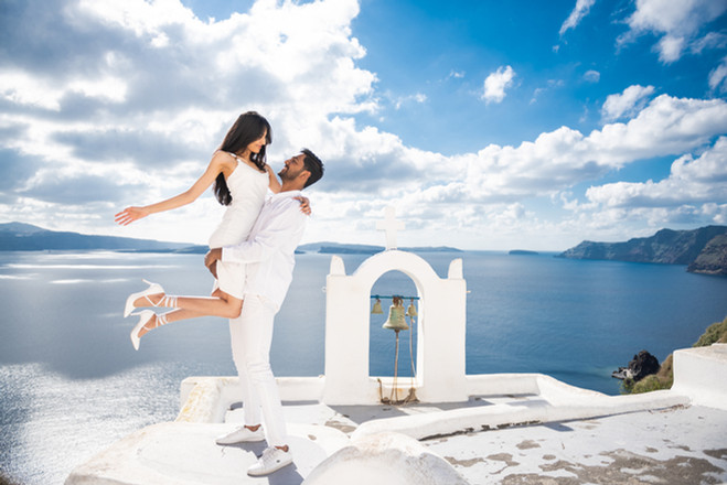Elopement_Photographer_Santorini_Island