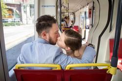 Brautpaar im Straßenbahn in Wien