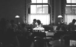 Paar in Cafe Central Wien