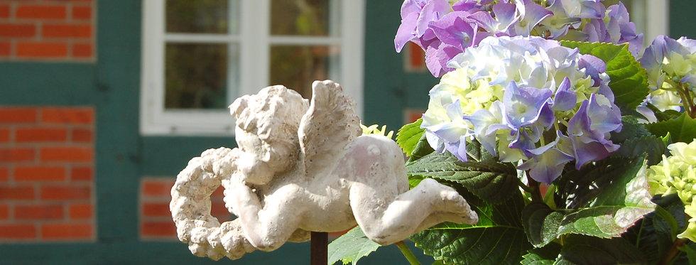 Charmanter Gartenstab, Beetstecker kleiner ENGEL im antique shabby chic Stil