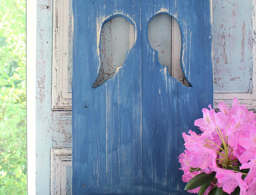 Landhaus Fensterladen mit Engelsflügeln ,Shabby chic Handgefertigt in dunkelblau