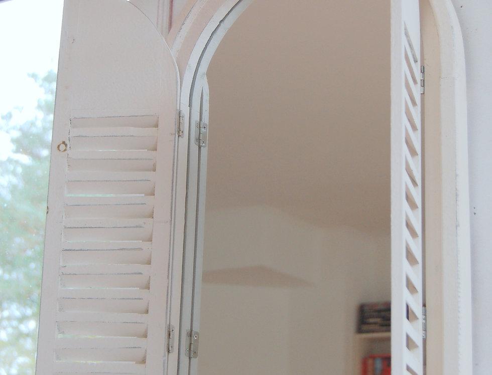 Wandspiegel mit Fensterläden KOS