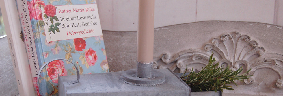 Kerzenständer mit Schublade