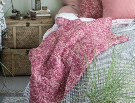 Quilt, Steppdecke im Landhausstil EULALIA rotes Paisley