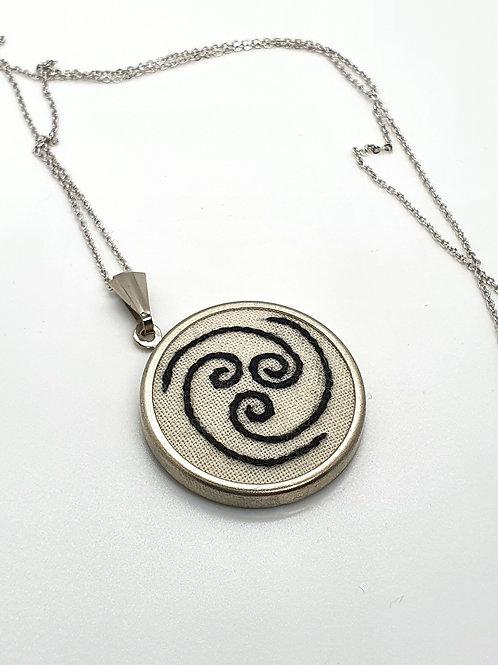 Tri Spiral Neclace