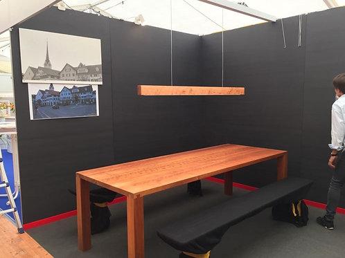 Massivholztisch mit Schwalbenschwanzverbindung