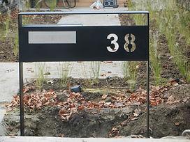 Brievenbus zwart breed
