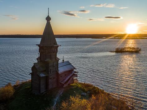 10 августа 2018 года сгорел символ города Кондопога - Успенская церковь XVIII века.