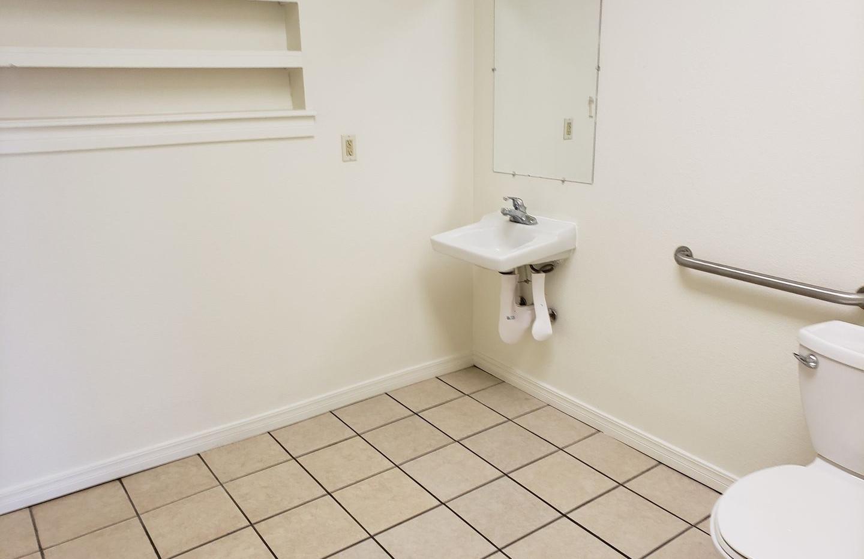 1012 Bathroom.jpg