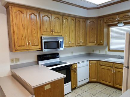 1308 Kitchen 1.jpg