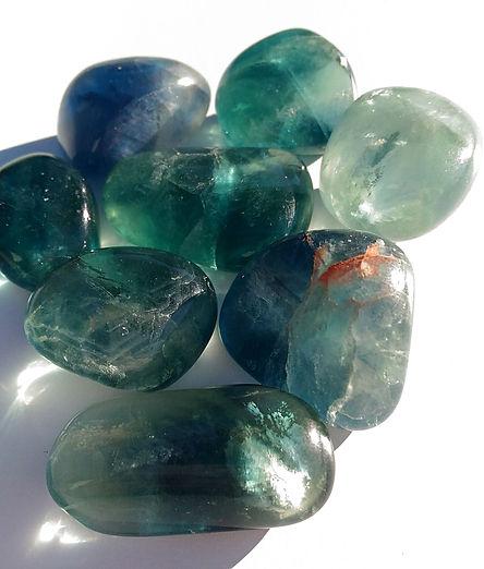 fluorite verte pierre pour lithothérapie. Fluorine, fluorite.