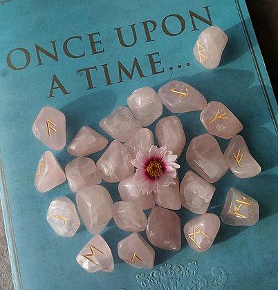 Runes pierre quartz rose