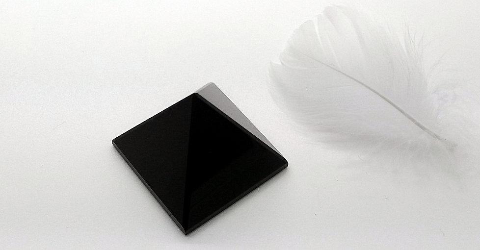 Vertus et propriétés de l'obsidienne noire en lithothérapie, méthode holistique par les pierres.