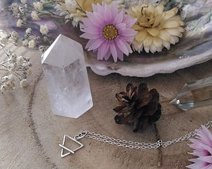 wicca. wicca bijou. wicca accessoires et objet. wicca runes et pendules.