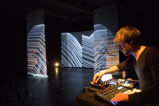 Nouvelle Vague Mag article about Suru performance @ Japan Futurenow Anthéa - antipolis theatre d&#39