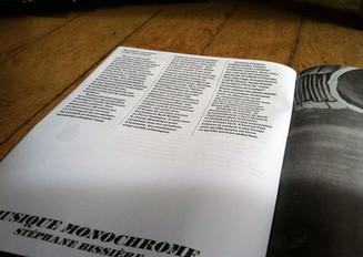 """Publication dans le magazine Jungle Juice du texte """"Musique Monochrome"""" de Stéphane Bissiè"""